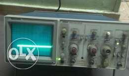 Oscilloscope Tektronix 2213A Analog 60 MHz USA أوسيلوسكوب