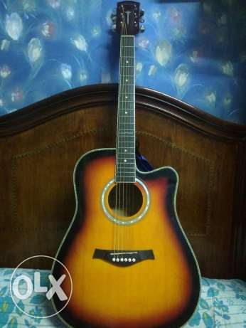 Accoustic Guitar + semi-hard Case