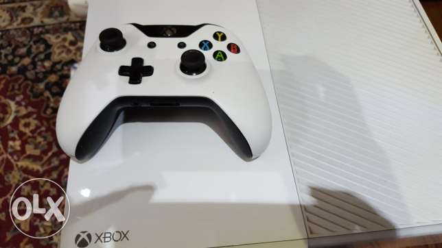 Xbox one used perfect condition