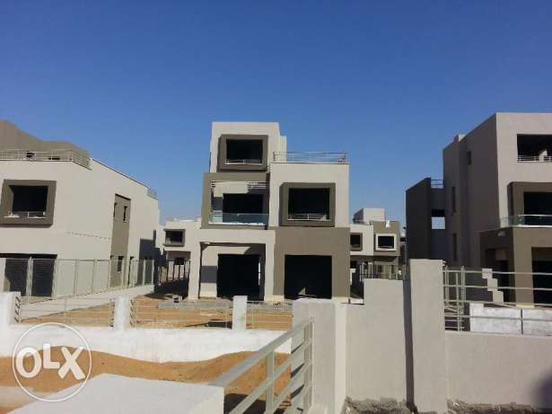In compound pk2 - standalone 300m prime location التجمع الخامس -  7