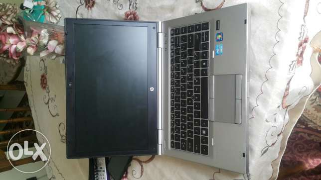 Hp 8460p core i5 Ram 4G hd 500GB