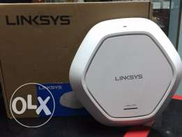 5Linksys LAPAC1750 Business AC1750 Dual-Band Access Point