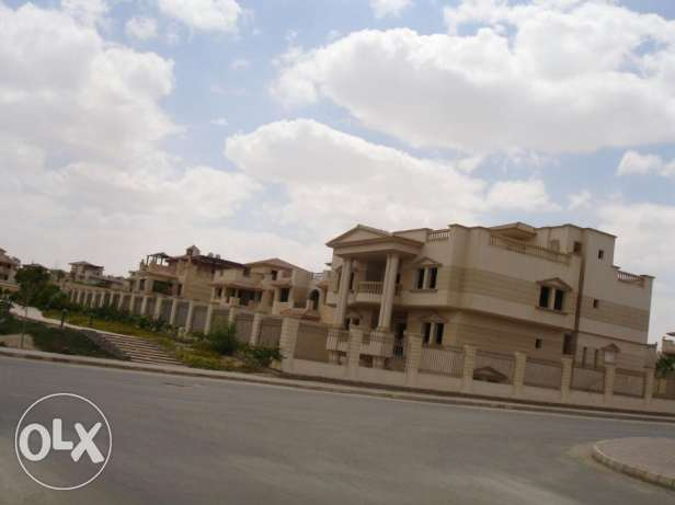 Standalone villa for sale in royal city zayed overlooking garden 812sq
