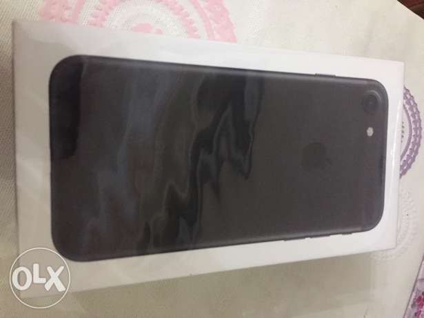 iphone 7, 32 gb with facetime , jetblack