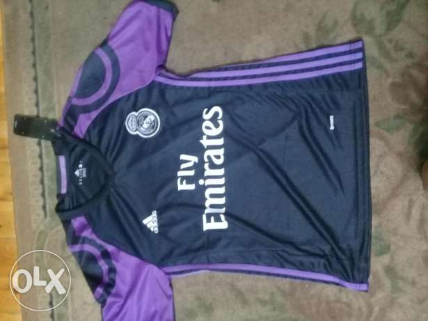 T-shirt real madrid orginal from adidas size:mediam