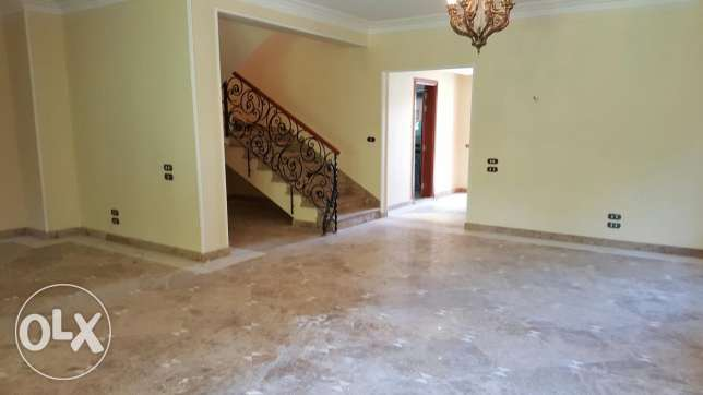 Elegant villa in amazing compound on 90 street with amazing price القاهرة الجديدة -  4