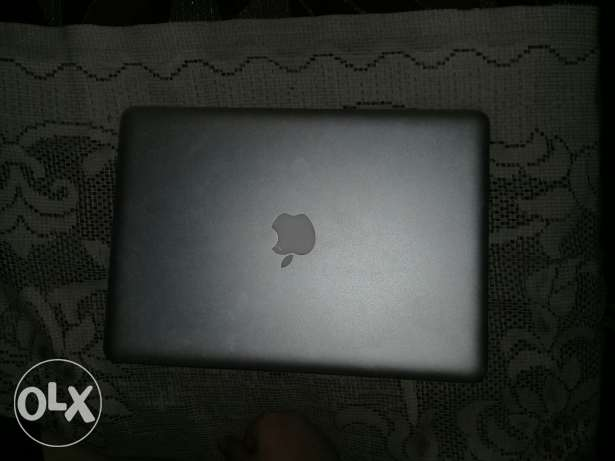 Labtob apple mac book air 13 inche