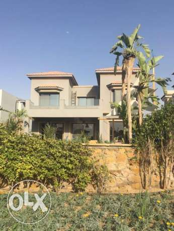 Separate Villa For Sale in Seasons with size 400 M² overlooks Garden