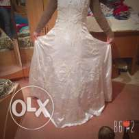 wedding dress used only one time 1000 le