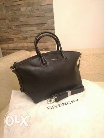 Givenchy Bag 3 colors available material more than amazing