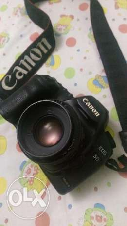 Canon 5D mark II body only with box and all acs good condtion