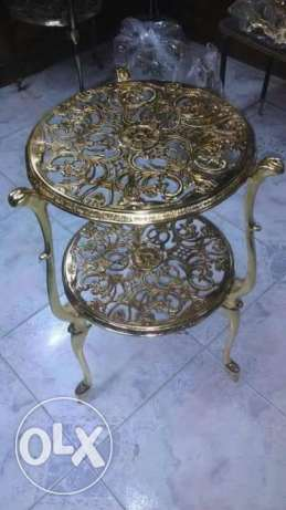 brass table height 60 cm and the round 40 cm 100% brass good looking