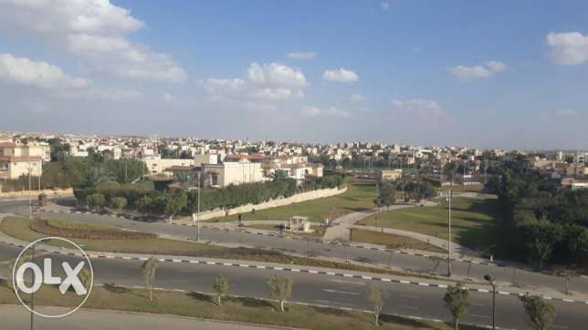 penthouse for sale in west town Sodic 253 sqm good location الشيخ زايد -  2