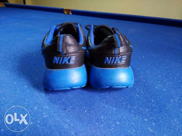 Nike roshe run size 44 from France النزهة -  4