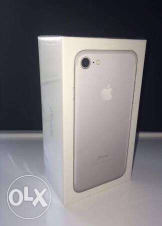 iphone 7 silver 128gb شيراتون -  2