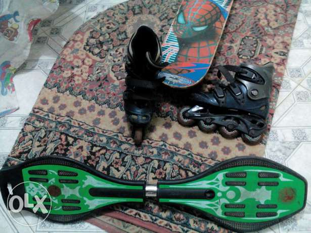 Wave board (green)200LE, skate board (spiderman)100LE, batinaj 300 LE
