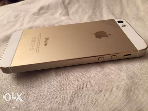 iPhone 5s used 16 giga gold 6 أكتوبر -  2