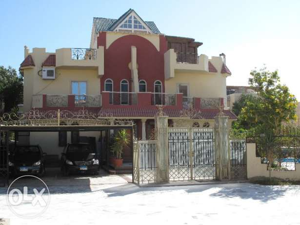 Luxury 3-storey villa in Mubarak 6 area.