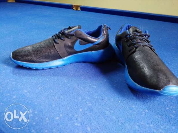 Nike roshe run size 44 from France النزهة -  3