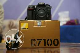 Camera Nikon D 7100 Like New with all accessories