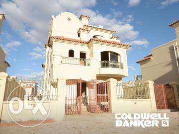 Villa located in 6 October for sale 316 m2, patio october