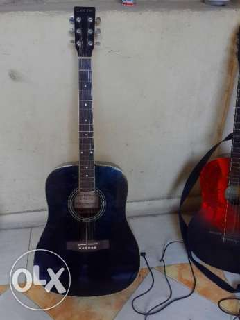 accoustic guitar for sale جيتار اكوستيك للبيع