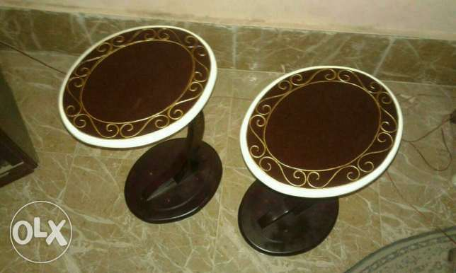 2 coffee table one leg حلوان -  2