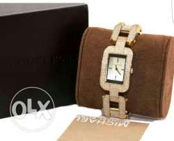 Micheal kors authantique new cost 3000LE Crystal swarevisky adorable