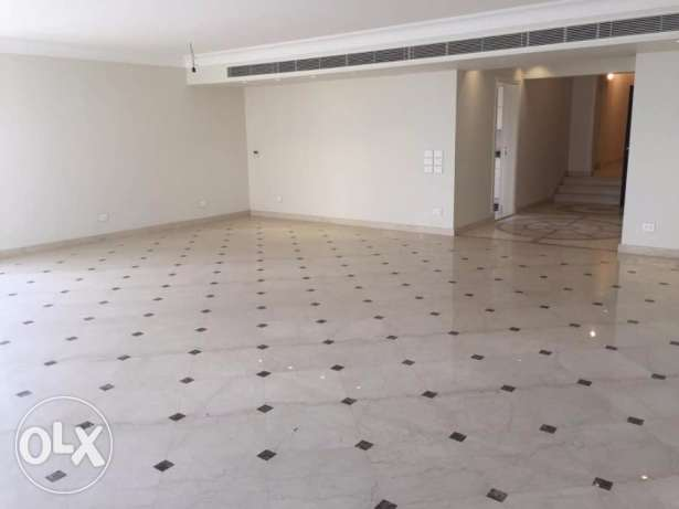 Nile view apartment 270 m 3 Bedrooms for rent in Zamalek
