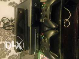 Xbox one with Kinect and 2 controller and 6 games