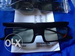 Toshiba 3D Glasses Deisgned for use with Toshiba LS Series Televisions