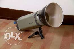 2 Flashheads with umbrella and trigger WF400A