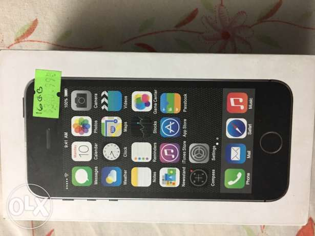 iphone 5s open face time like ziroo in avery good condition for sal الزمالك -  5