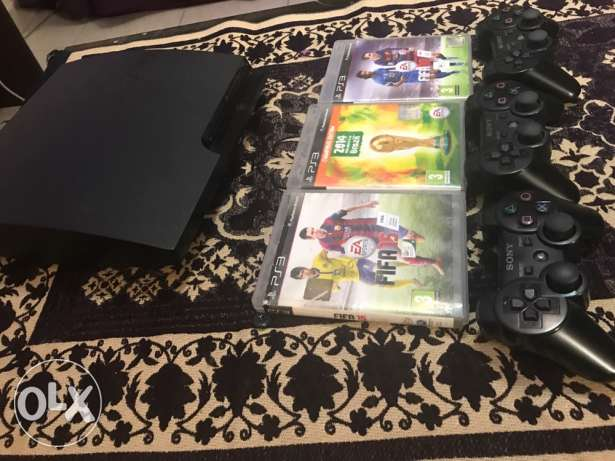 PlayStation 3 with 2 hands slim