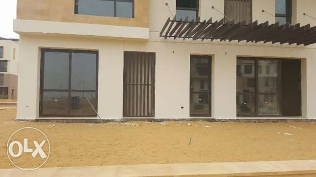 Ground apartment for sale in East town SODIC prime location 255sqm