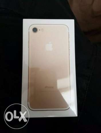 Sealed iPhone 7 128g available in Matte Black and Gold 6 أكتوبر -  1