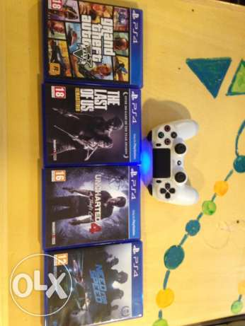 PlayStation 4 with 4 games