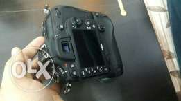 For sell Camera nikon D7100 with lens sigma 24-70 f2.8 shutter 18k