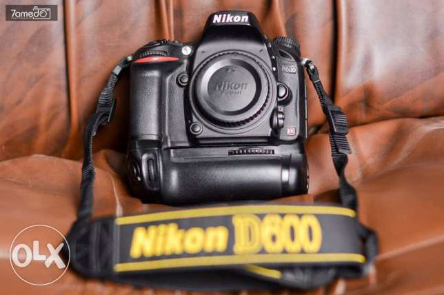 nikon 600 full frame with grip