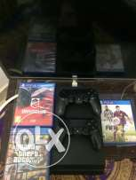 ps4 + 2 controllers + 3 cd
