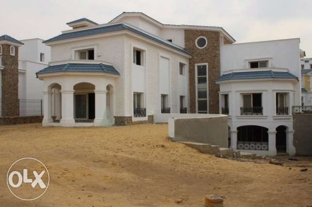 A standalone villa in Mountain View 2 with an amazing view and price القاهرة الجديدة -  4
