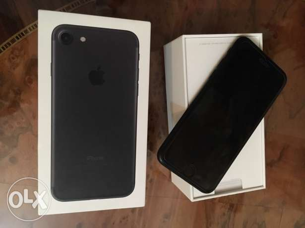 iPhone 7 black مدينة بورفؤاد -  1