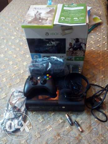 Xbox 360 with assassin's Creed with controller