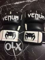 pro venum MMA gloves hand made in thailand (new one