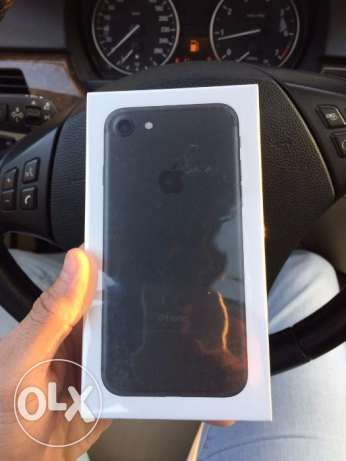 Iphone 7 32GB Black Sealed with Box