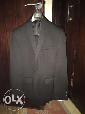 Tie House Wedding suit with its cover used for 1 day size 48 slim fit