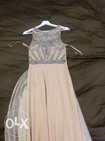 dress Used once . Size S - M