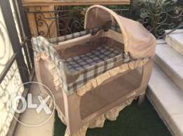 Evenflo bassinet & playyard