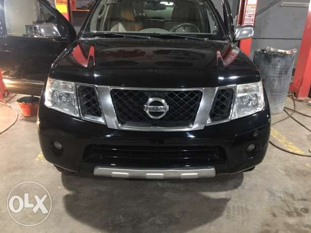 Nissan Pathfinder 2008 Le like new