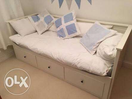 Day bed frame white w 3 drawers IKEA كنبة سرير٣ ادراج مدينتي -  1